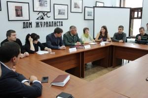 Круглый стол в  Доме журналистов. Фото сайта http://www.omskmintrud.ru