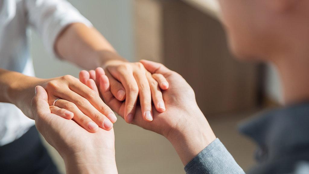 Помощь зависимому человеку