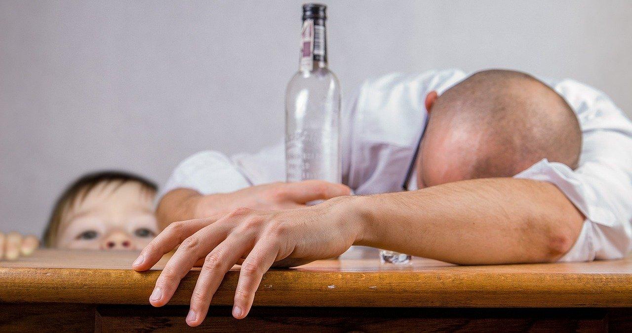 Что делать, если в семье алкоголик?