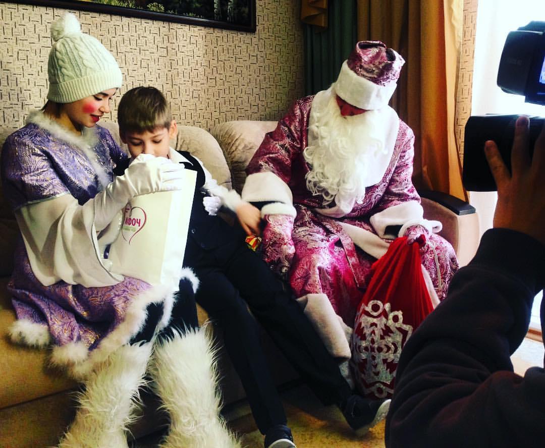 Роман в ролиДеда Мороза - впервые